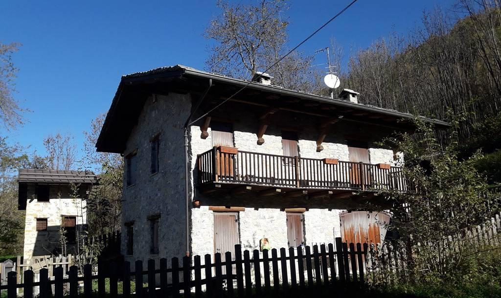 Foto 1 di Rustico / Casale Tetto Chiotti 22, Roaschia