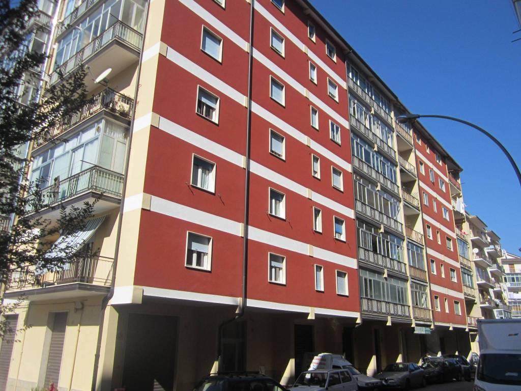 Appartamento in ottime condizioni in vendita Rif. 8370699