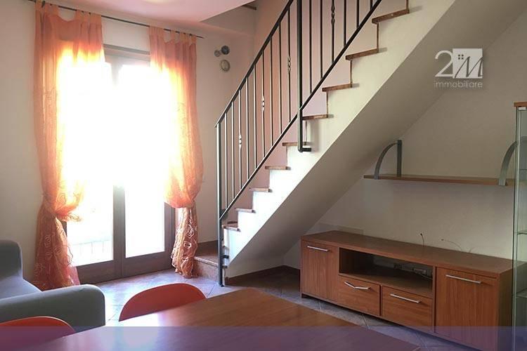 Appartamento in buone condizioni arredato in vendita Rif. 8356868