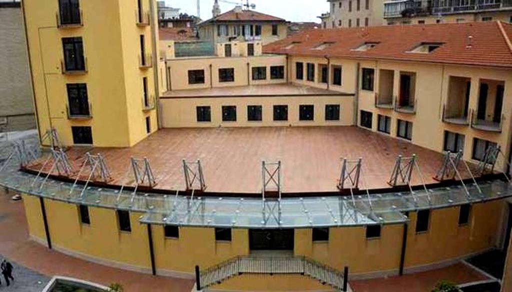 Ufficio / Studio in vendita a Imperia, 3 locali, prezzo € 345.000 | PortaleAgenzieImmobiliari.it