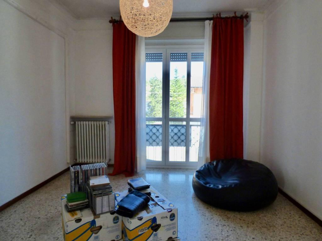 Appartamento in buone condizioni in vendita Rif. 8369331