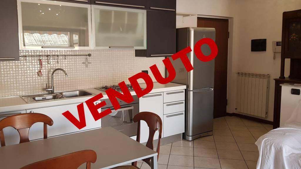 Appartamento in ottime condizioni in vendita Rif. 7932444