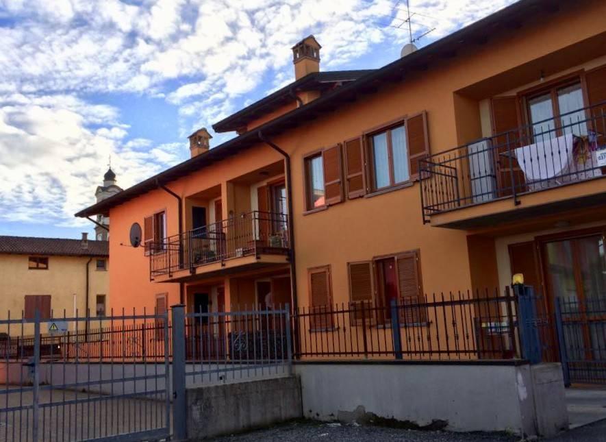 Appartamento in ottime condizioni parzialmente arredato in vendita Rif. 9175909