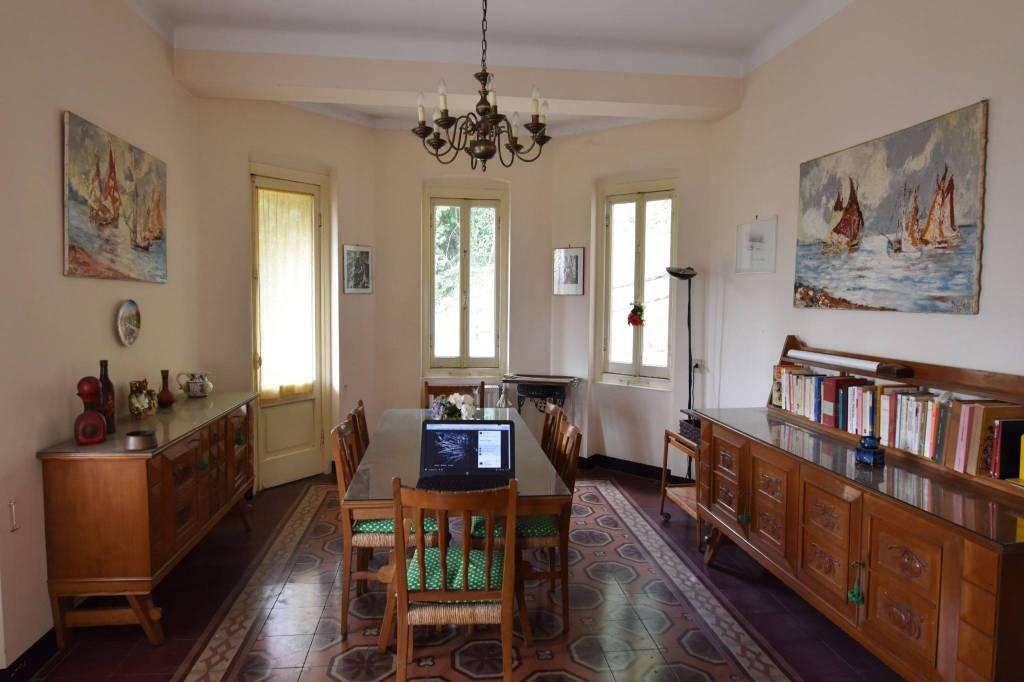 Foto 1 di Villa via Gustavo Ragnoli 17, Savignone