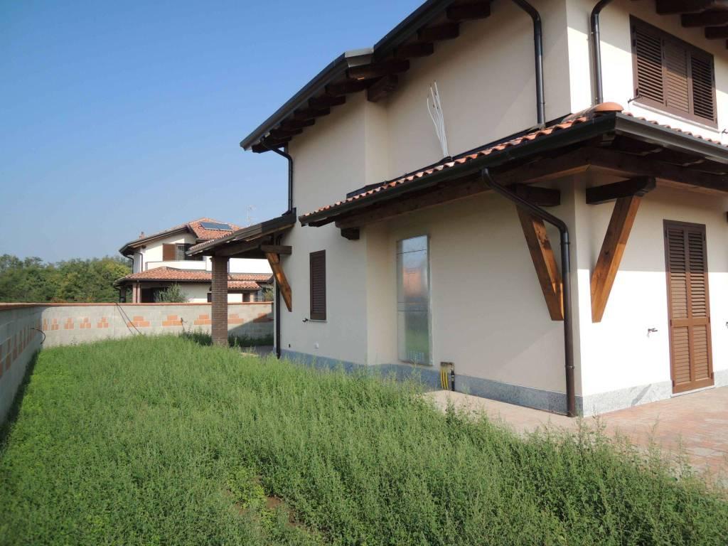 Villa in vendita a Casalbeltrame, 3 locali, prezzo € 230.000 | PortaleAgenzieImmobiliari.it