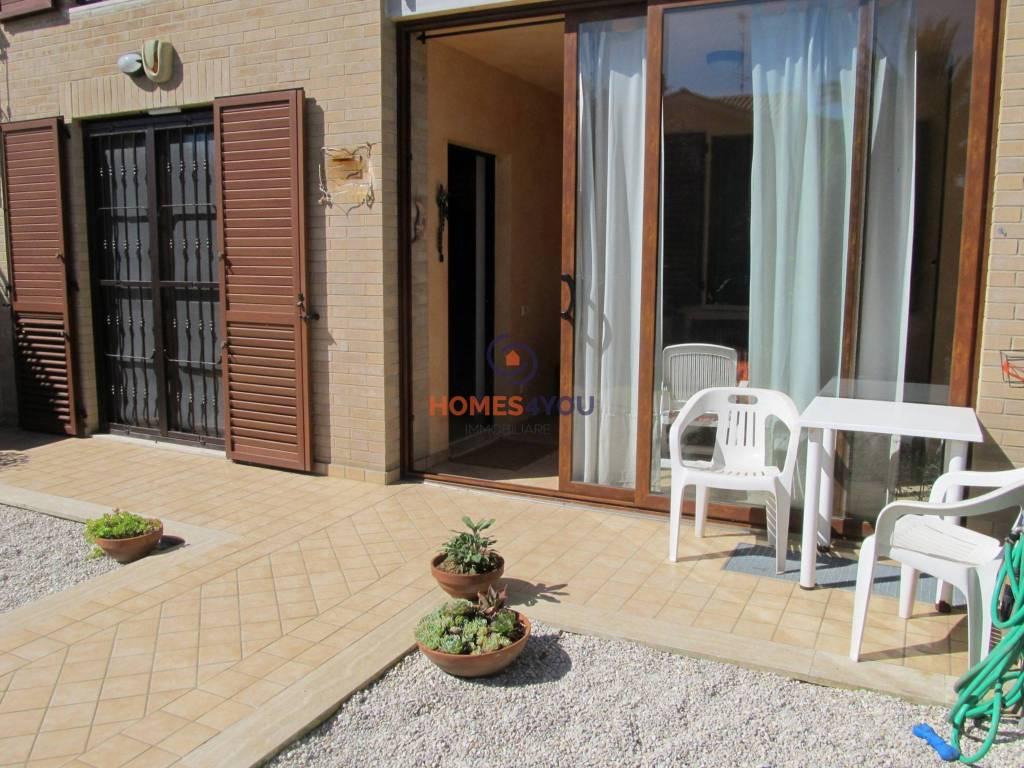 Appartamento in ottime condizioni parzialmente arredato in vendita Rif. 8372801