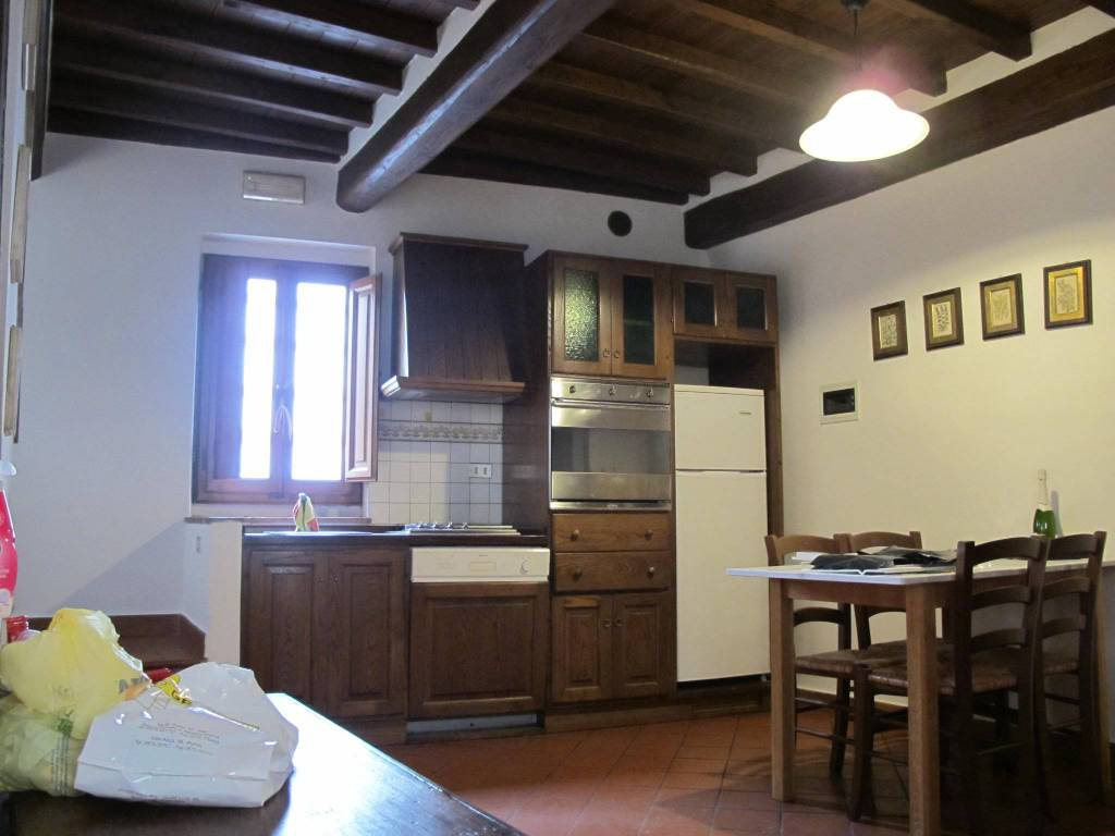 Appartamento in Affitto a Pistoia Centro: 2 locali, 55 mq