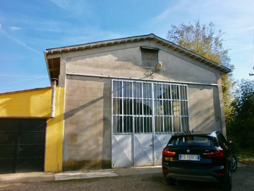 Capannone in vendita a Travacò Siccomario, 1 locali, prezzo € 145.000 | CambioCasa.it