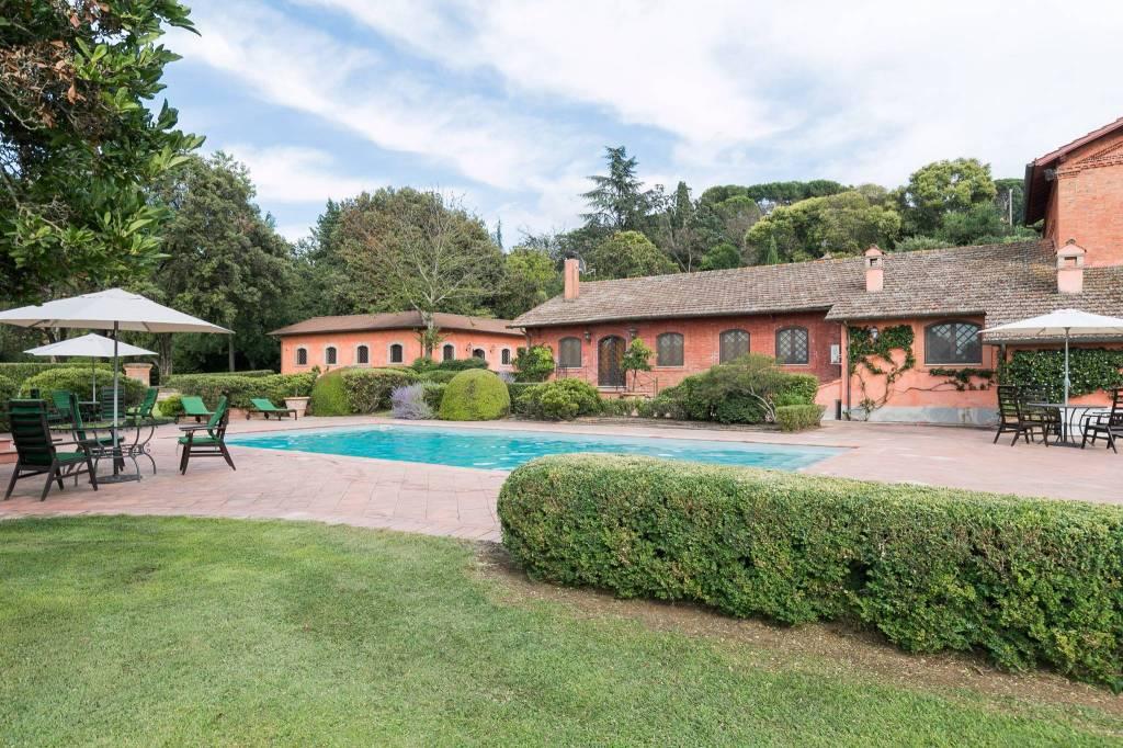 Grottaferrata - Splendida Villa con Piscina
