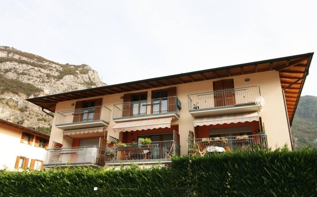 Appartamento in buone condizioni in vendita Rif. 8371127