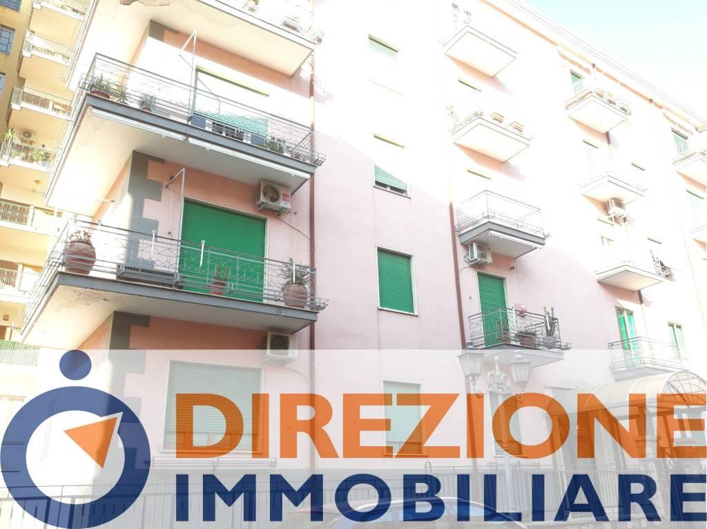 Appartamento in buone condizioni in vendita Rif. 8371960
