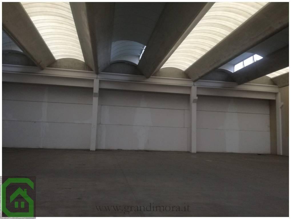 Capannone in affitto a Caravaggio, 1 locali, Trattative riservate | CambioCasa.it