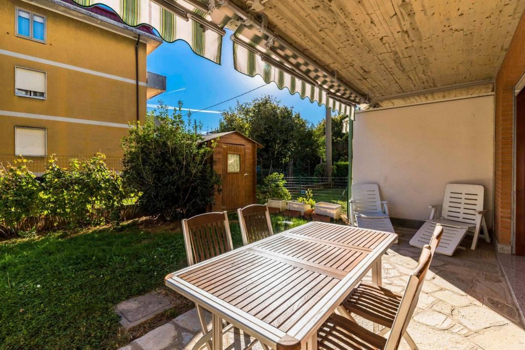 Appartamento in ottime condizioni in vendita Rif. 8371906