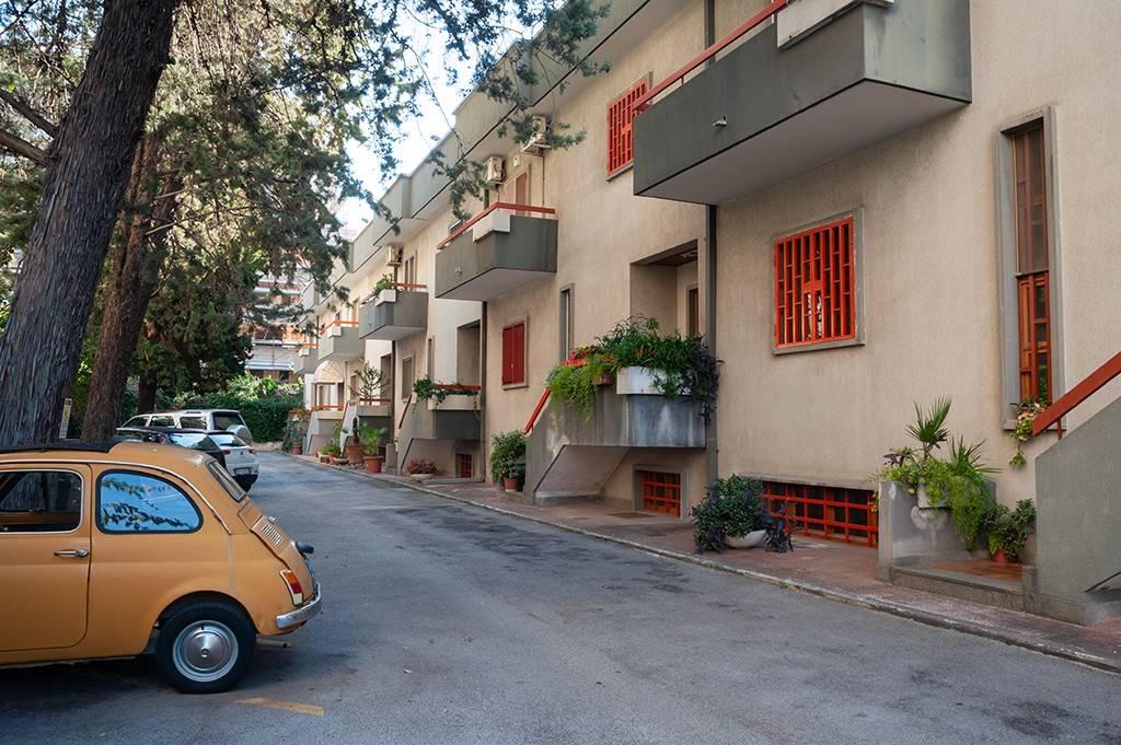 Villetta a schiera in buone condizioni in affitto Rif. 8372664