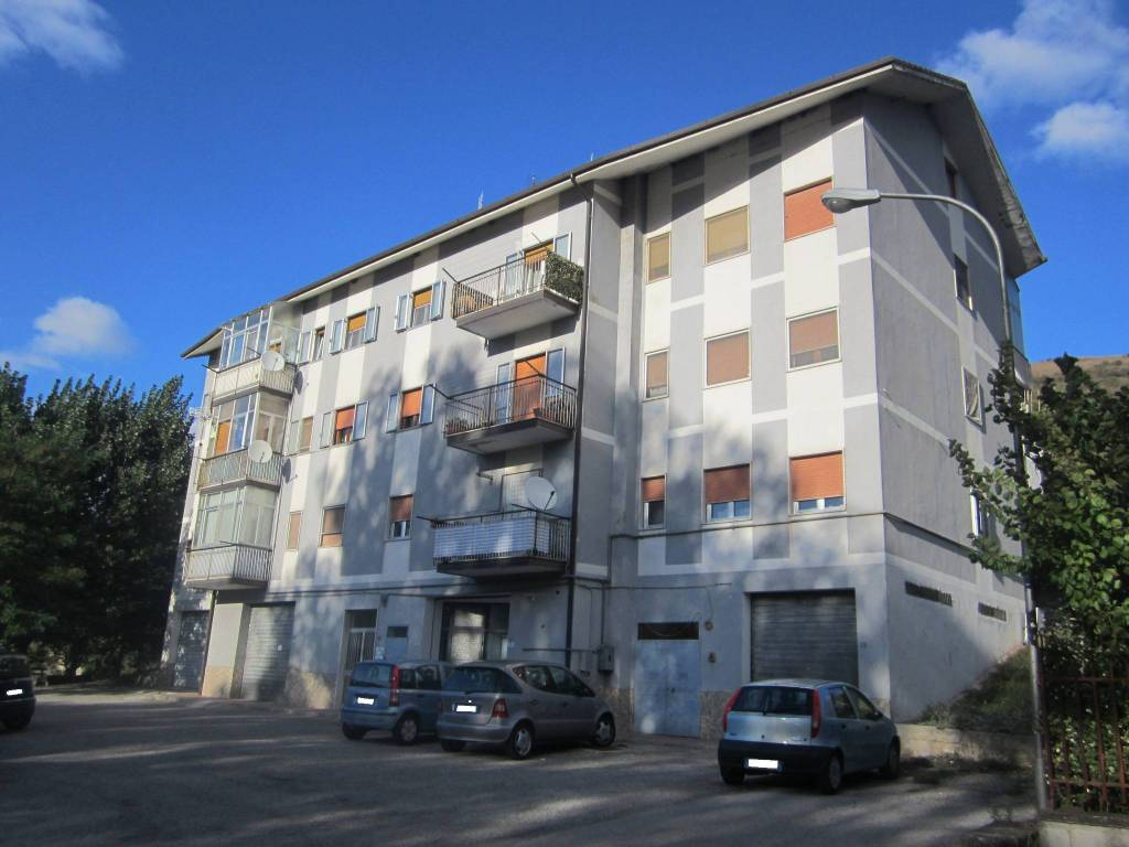 Appartamento in ottime condizioni in vendita Rif. 8370700