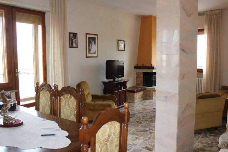 Appartamento in Vendita a Chiusi Centro: 5 locali, 120 mq
