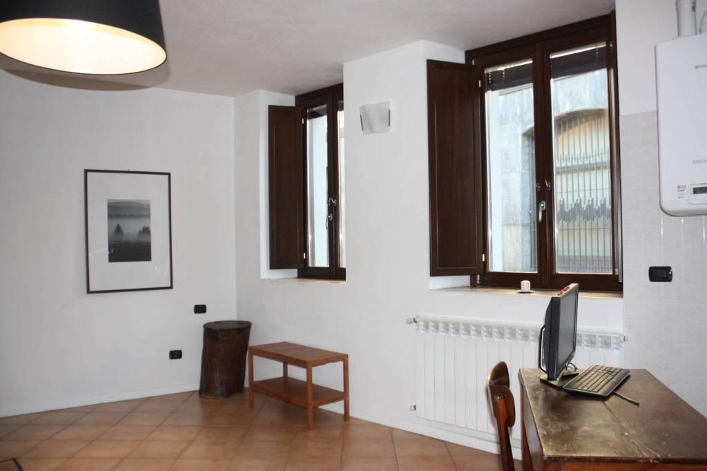 Appartamento in buone condizioni in vendita Rif. 8370742
