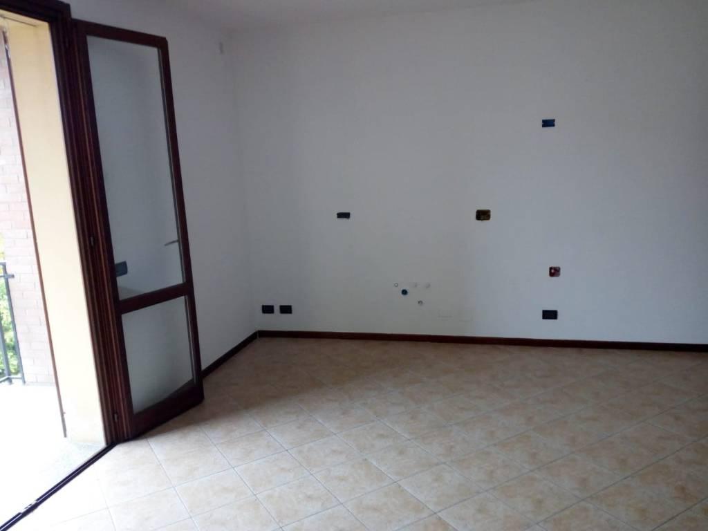 Appartamento in buone condizioni in vendita Rif. 7768445