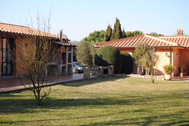 Villa in vendita a Campagnano di Roma, 6 locali, prezzo € 490.000 | CambioCasa.it