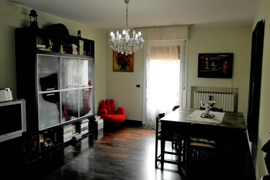 Appartamento in ottime condizioni in vendita Rif. 8372812