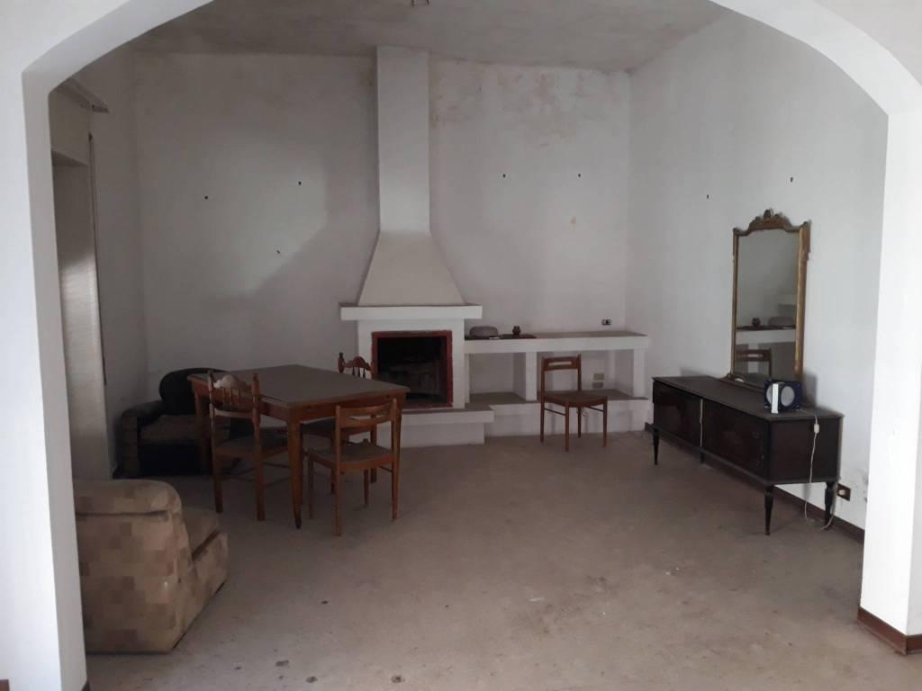 Stabile / Palazzo da ristrutturare in vendita Rif. 8369329