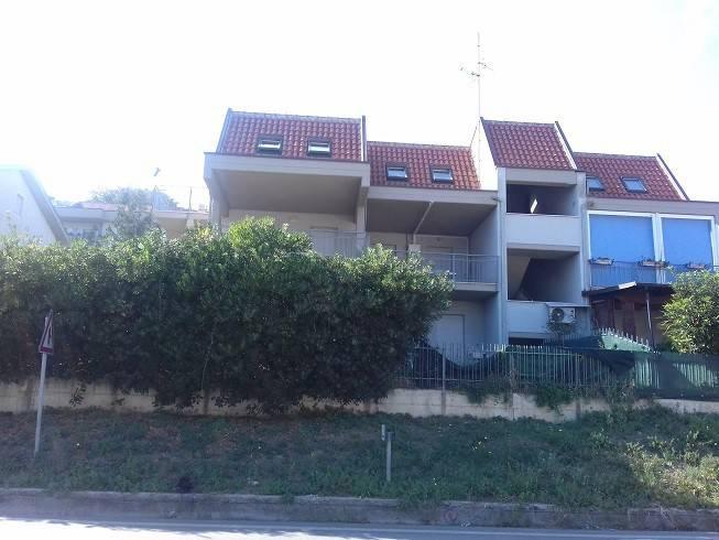 ORTONA vendesi grazioso appartamento con garage nella locali