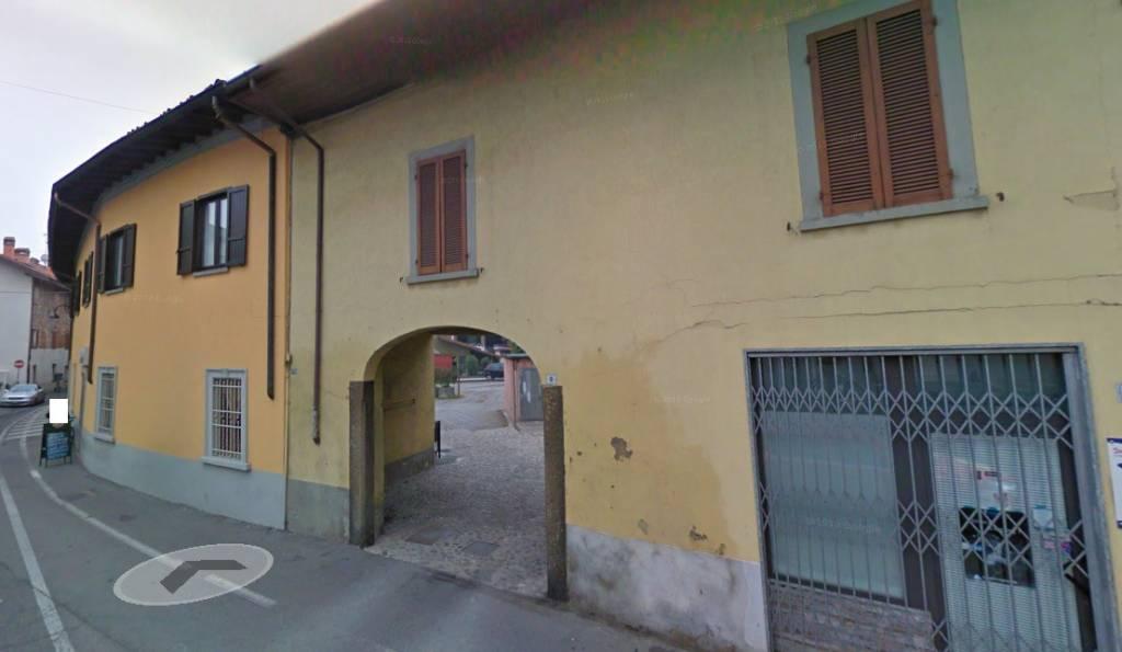 Appartamento in buone condizioni in vendita Rif. 8382150