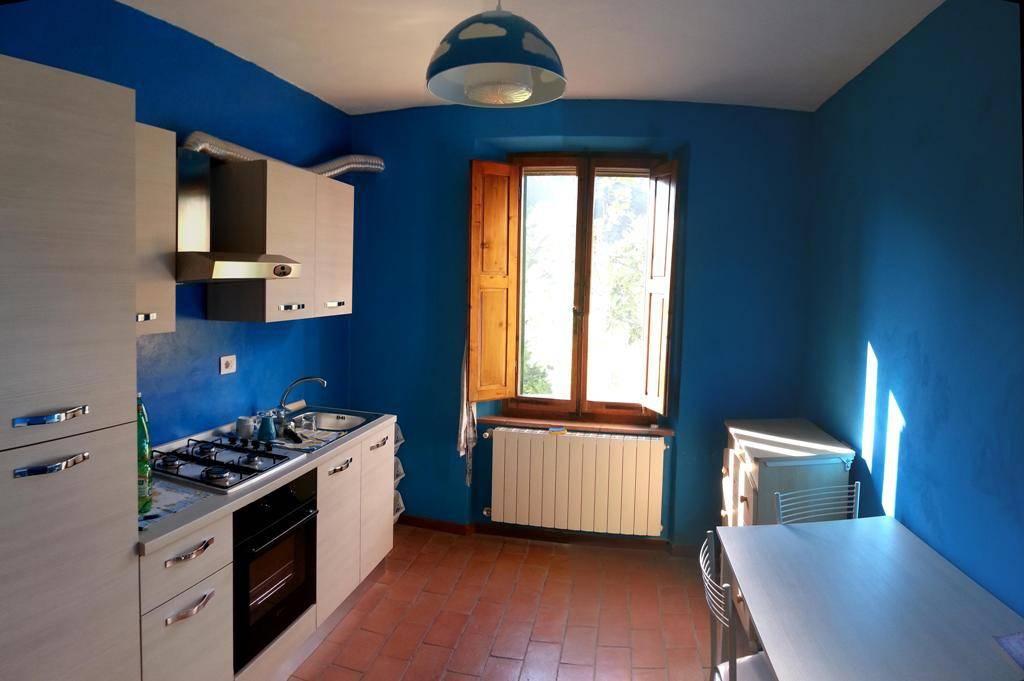 Appartamento in ottime condizioni arredato in vendita Rif. 8381752