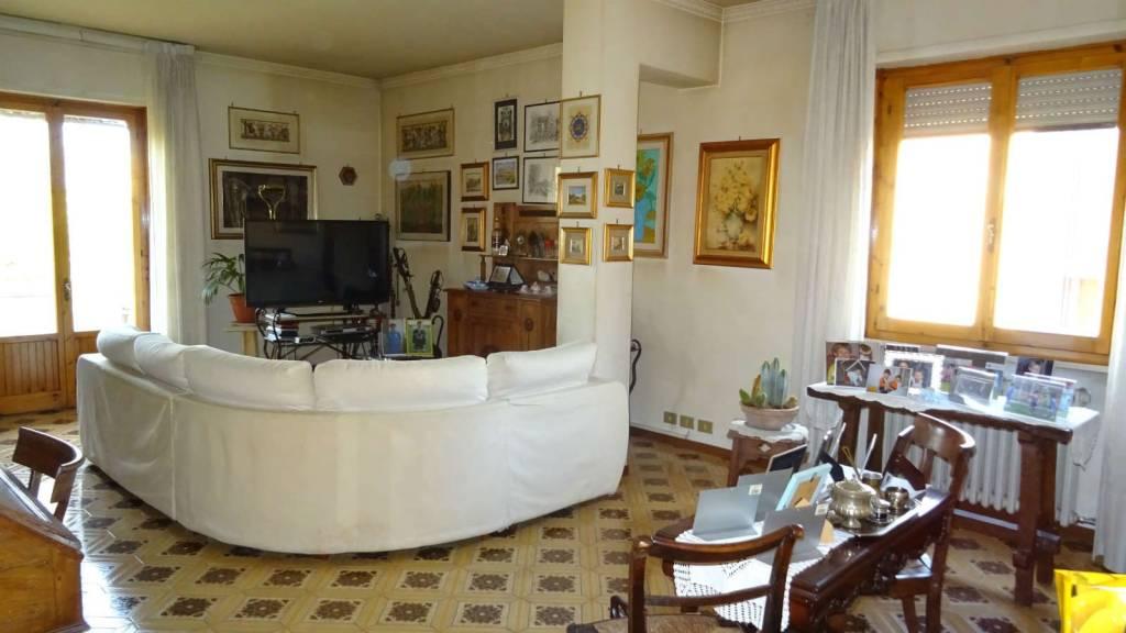 Appartamento da ristrutturare in vendita Rif. 8551116