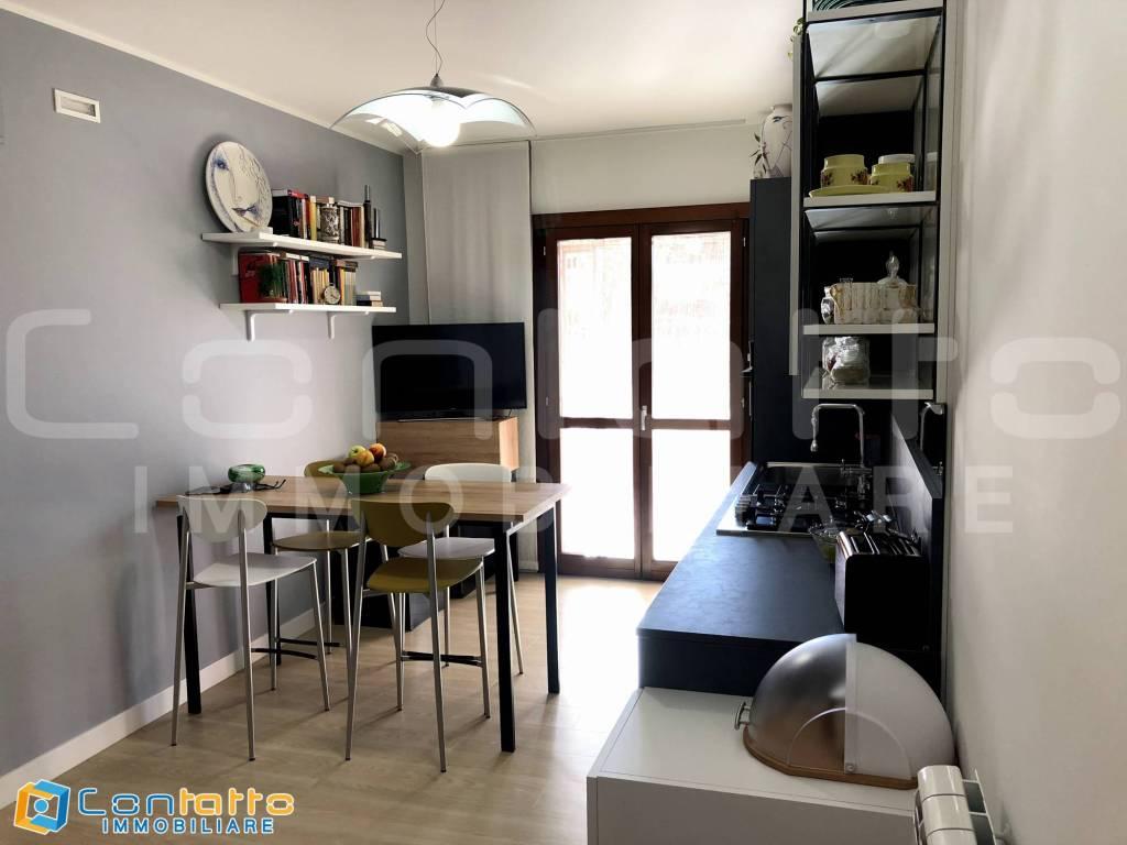 Appartamento in ottime condizioni arredato in vendita Rif. 8373585