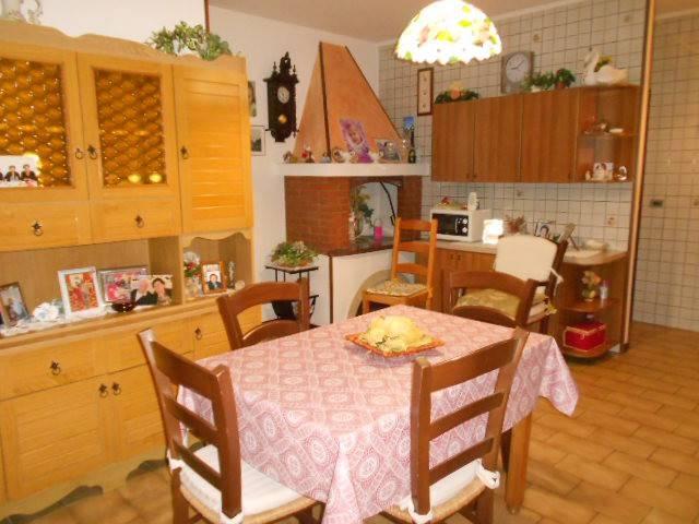 Villa in buone condizioni in vendita Rif. 8380290