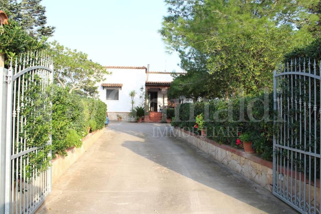 Villa in Vendita a Sannicola Periferia: 3 locali, 70 mq