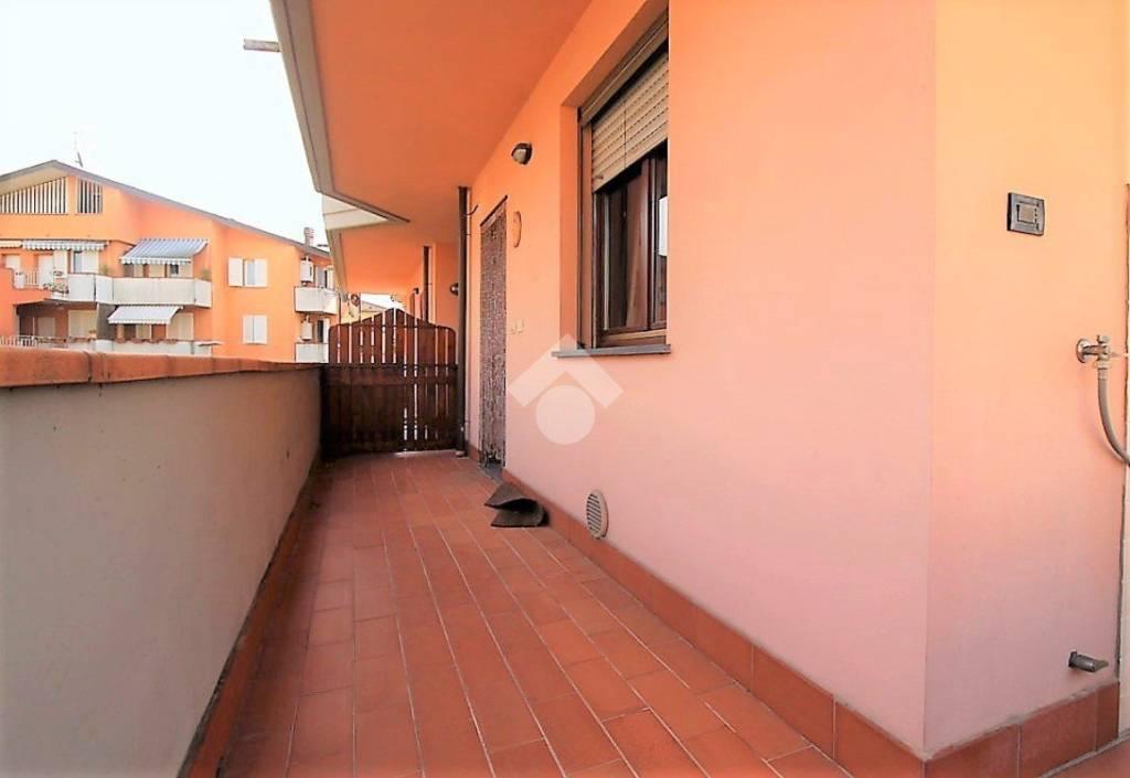 Appartamento in buone condizioni in vendita Rif. 9317895