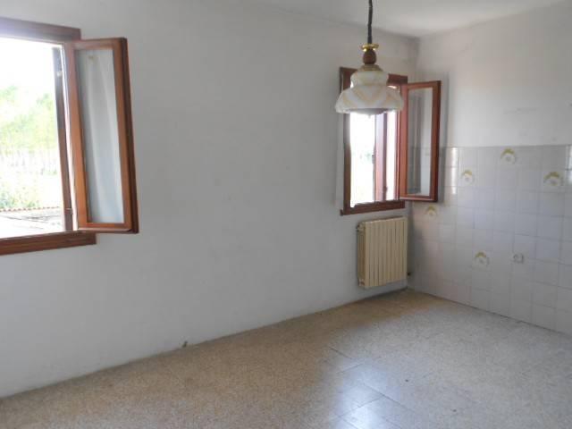 Villa da ristrutturare in vendita Rif. 8380293