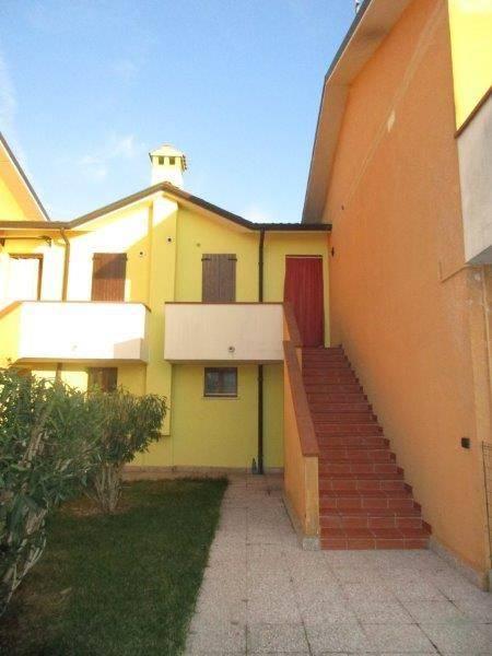 Appartamento in buone condizioni in affitto Rif. 8410423