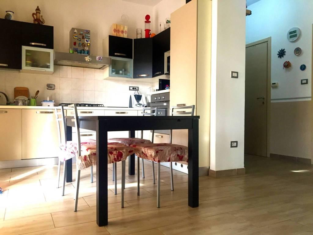 Appartamento in ottime condizioni in vendita Rif. 9425042