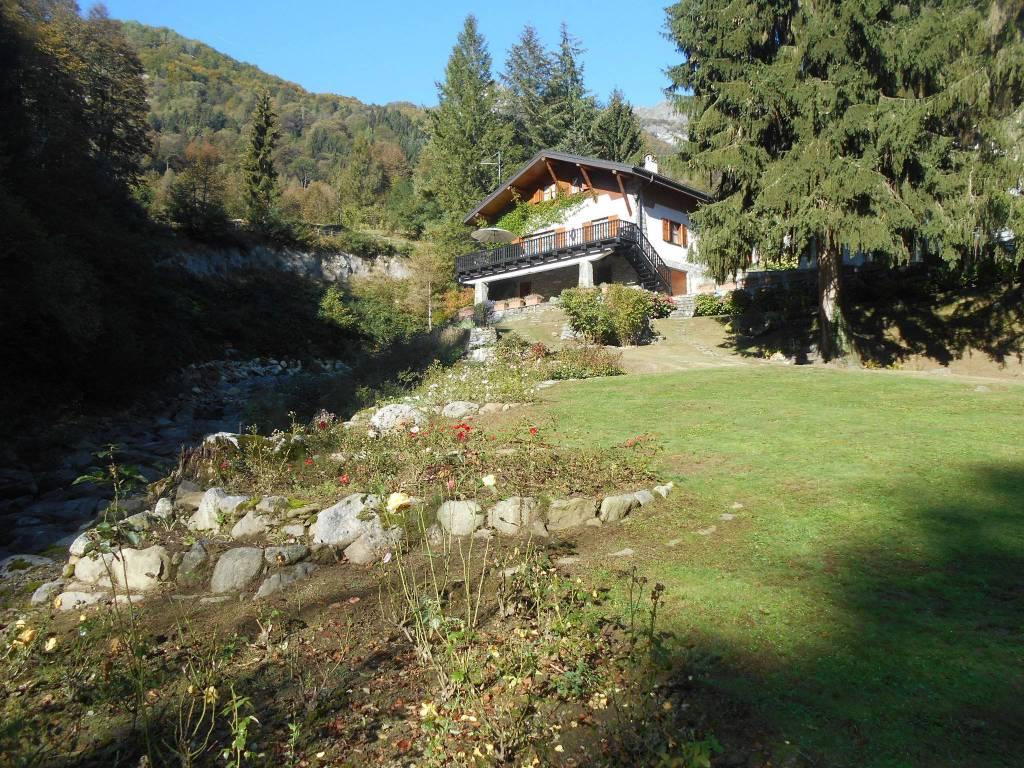 Villa in buone condizioni arredato in vendita Rif. 8390268