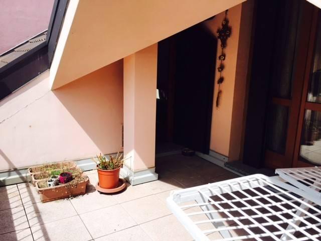 Appartamento in ottime condizioni parzialmente arredato in vendita Rif. 8422579