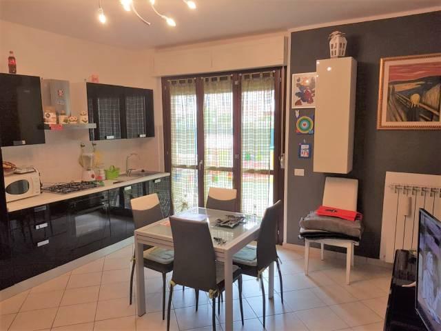 Appartamento in ottime condizioni in vendita Rif. 7270652