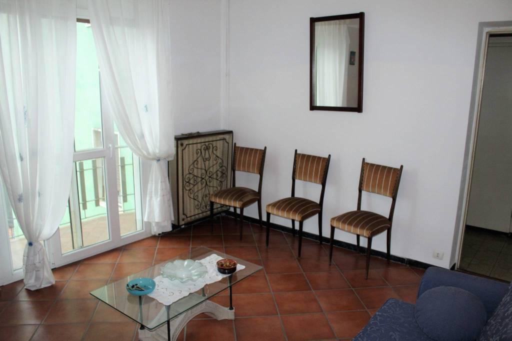 Appartamento in buone condizioni arredato in vendita Rif. 8396523