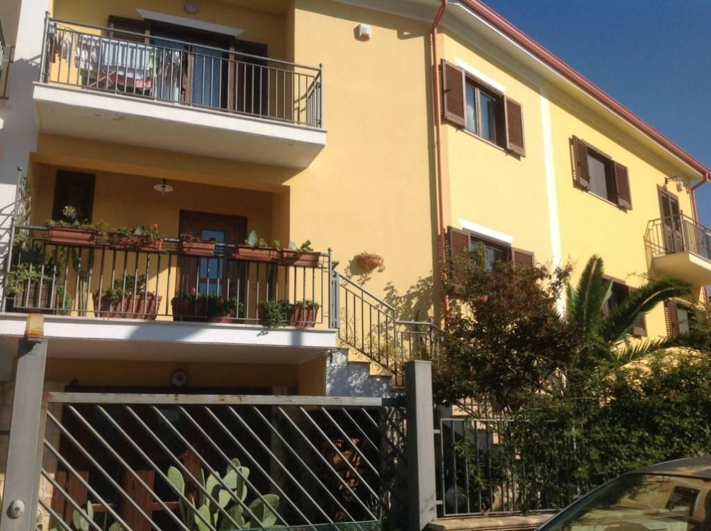 Villetta a schiera in ottime condizioni in vendita Rif. 8396567
