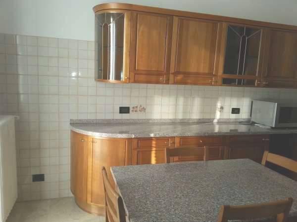 Appartamento in vendita a Bareggio, 3 locali, prezzo € 178.000 | PortaleAgenzieImmobiliari.it