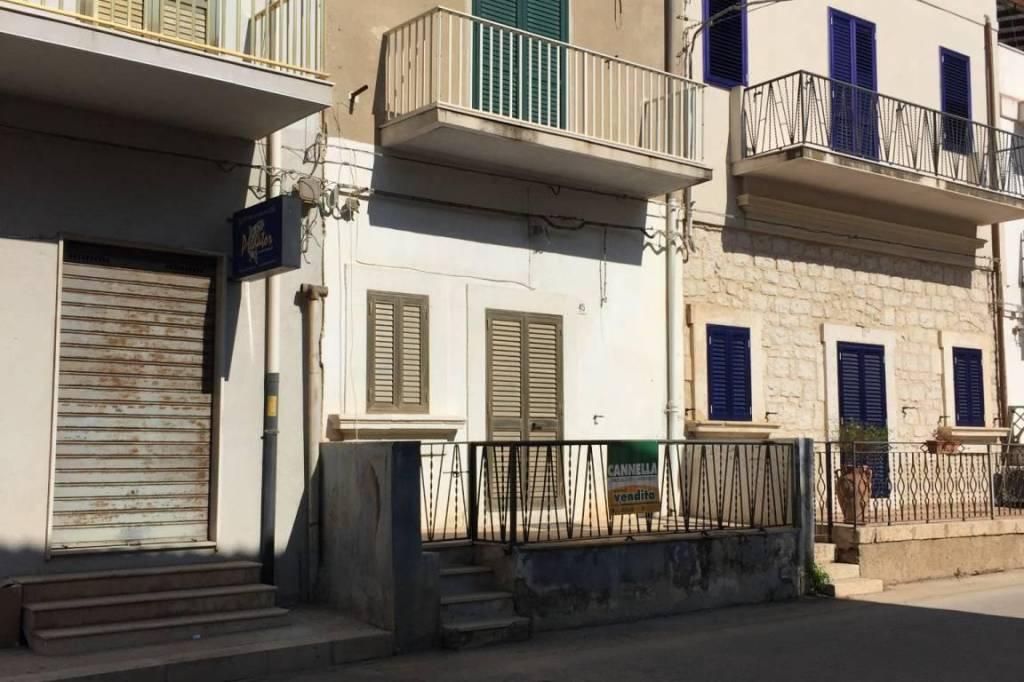 Appartamento in Vendita a Scicli Centro: 3 locali, 91 mq
