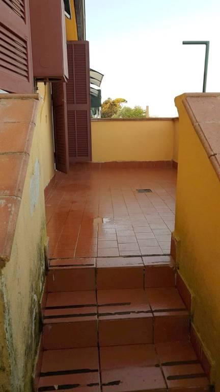 Appartamento in buone condizioni in affitto Rif. 8549776