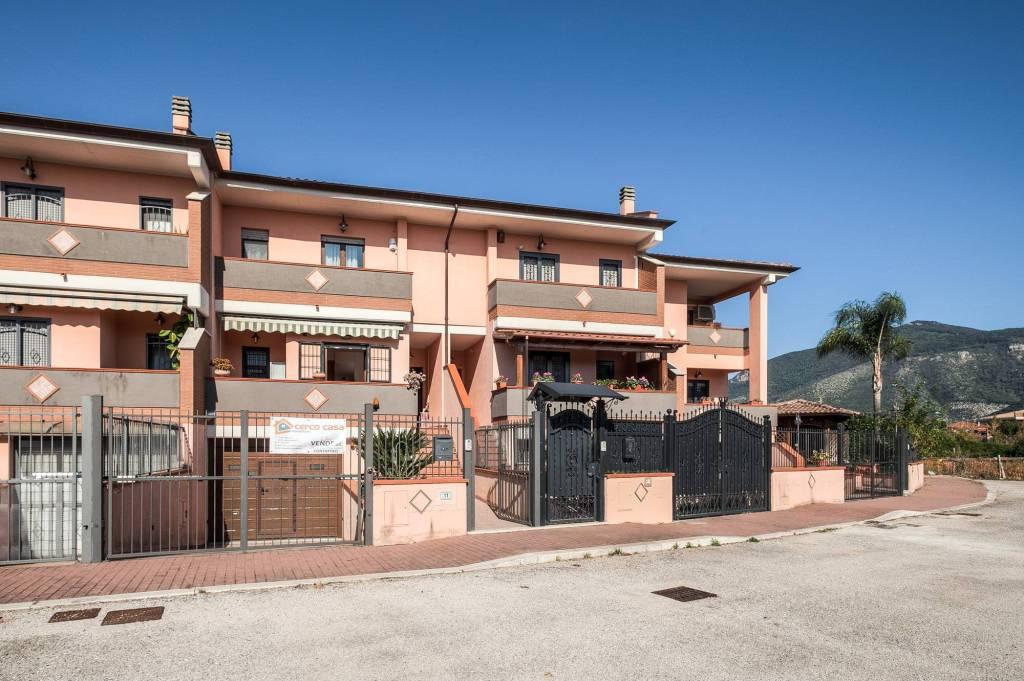Villetta a schiera in ottime condizioni in vendita Rif. 8399516