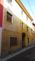 Appartamento in buone condizioni in vendita Rif. 9439155