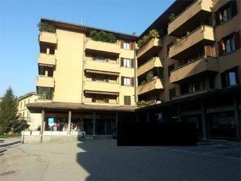 Appartamento in buone condizioni in vendita Rif. 8403003