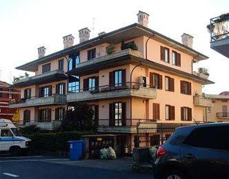 Appartamento in buone condizioni in vendita Rif. 8401899