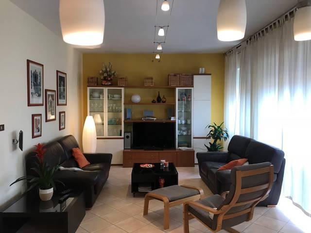 Appartamento in ottime condizioni parzialmente arredato in vendita Rif. 8611861