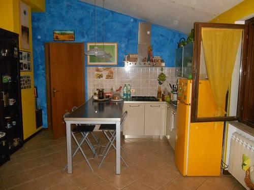 Appartamento in ottime condizioni parzialmente arredato in affitto Rif. 8399552